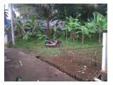 Tanah dari depan,masih bnyk tanaman dan pohon(kebon)